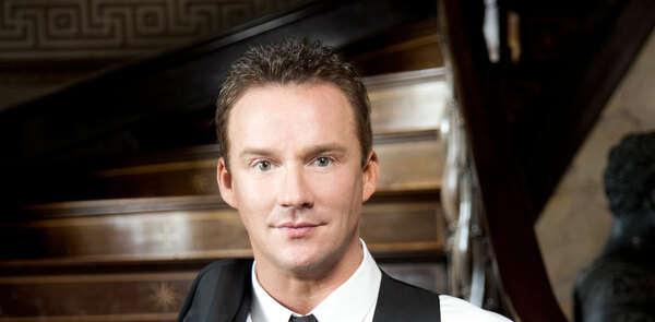 Russell Watson links up with Les Mis composers Boublil and Schonberg for new album