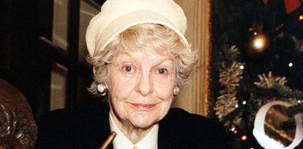 Broadway to dim its lights for Elaine Stritch