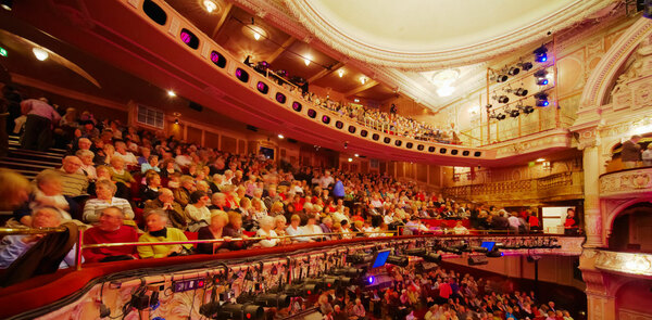 Audiences pay average of £71 per person on theatre trip - survey