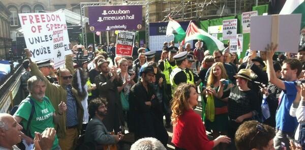 Phyllida Lloyd and Caryl Churchill join arts figures in cultural boycott of Israel