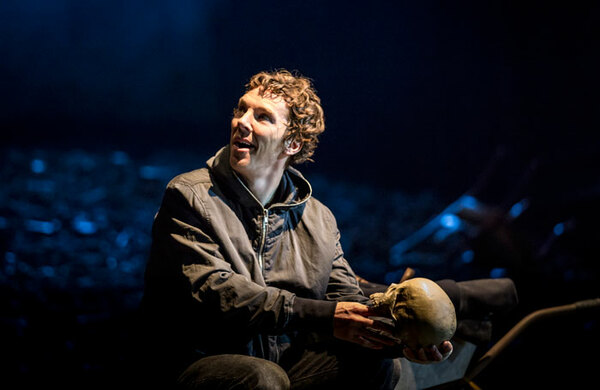 Cumberbatch inspires campaign to stamp out phone use in theatres