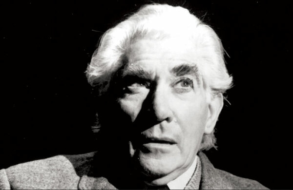 Frank Finlay dies, aged 89