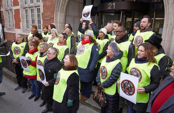 ENO chorus votes to strike in pay dispute