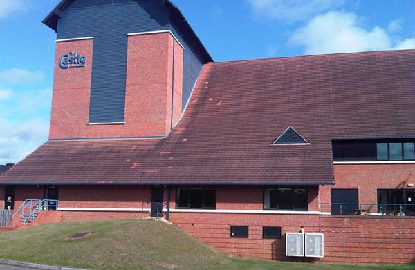 Wellingborough Castle Theatre operator put on six months' notice