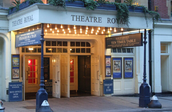 Flood forces Theatre Royal Windsor opening night evacuation