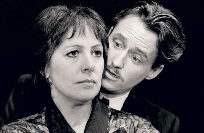 Penelope Wilton and Linus Roache in The Deep Blue Sea at the Almeida Theatre, London, in 1993. Photo:  Tristram Kenton