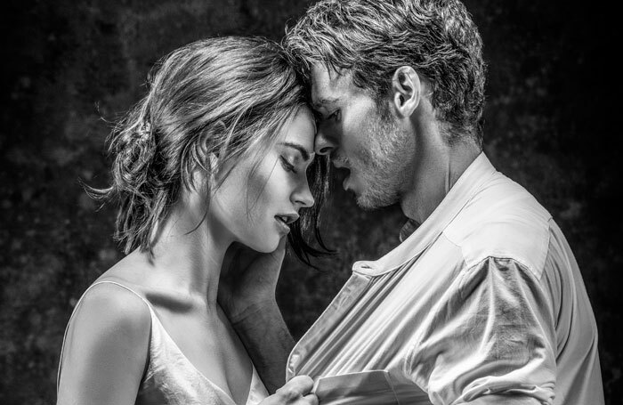 Lily James and Richard Madden, Photo: Johan Persson