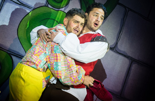 Pop-up panto producer goes bust owing thousands
