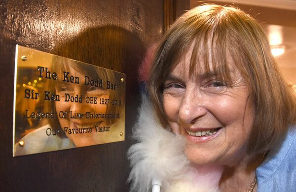 York's Grand Opera House unveils memorial plaque in honour of Ken Dodd