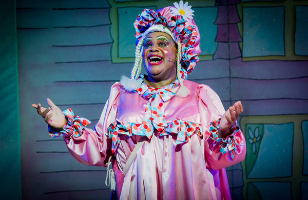 Clive Rowe to star in Hackney Empire's 2018 pantomime