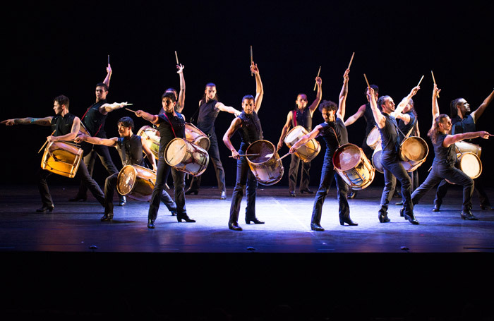 The company of Che Malambo at the Peacock Theatre, London. Photo: Robert Torres