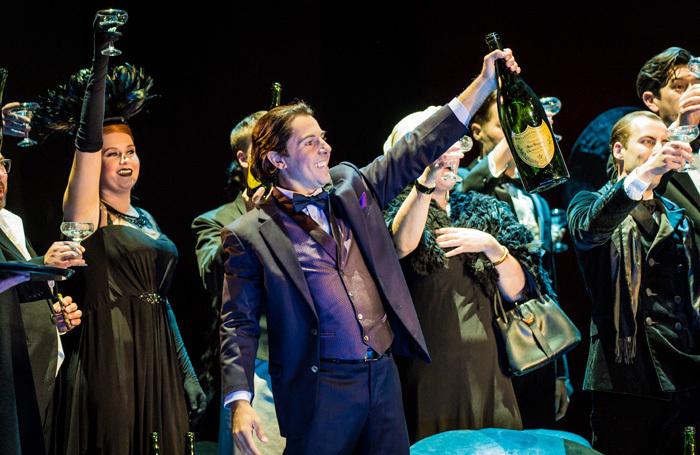 Nico Darmanin in Glyndebourne's La Traviata. Poto: Robert Workman
