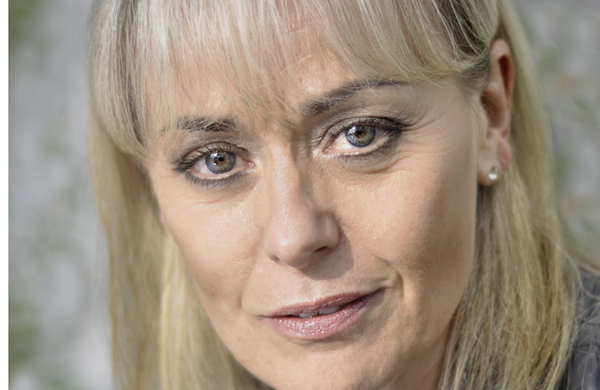 Tracie Bennett to star in UK revival of Mame as part of Hope Mill Theatre season