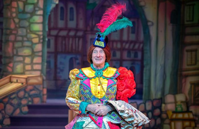 Berwick Kaler in The Gard Old Dame of York at Theatre Royal York