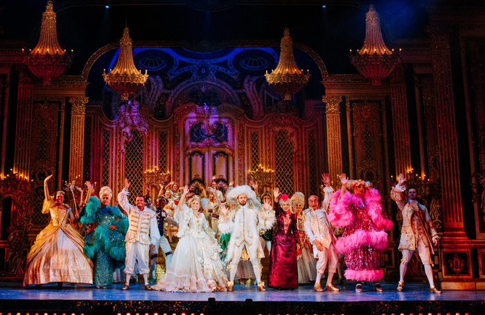 The company of Cinderella at Hull New Theatre