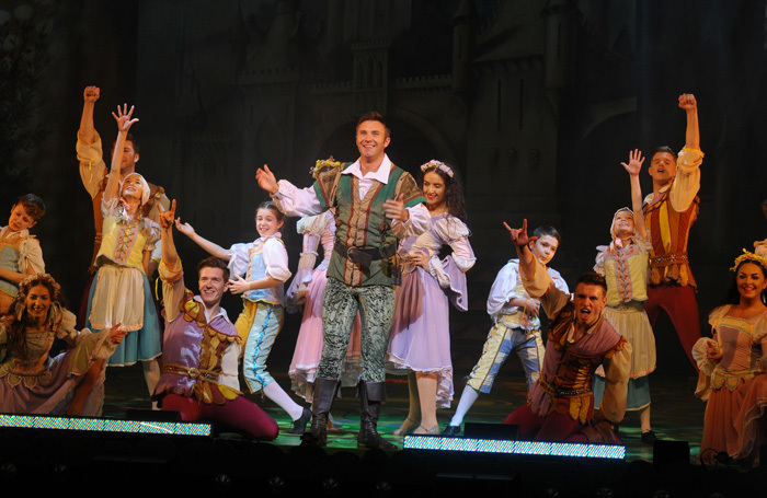 Jonathan Wilkes and company in Robin Hood at the Regent Theatre, Hanley