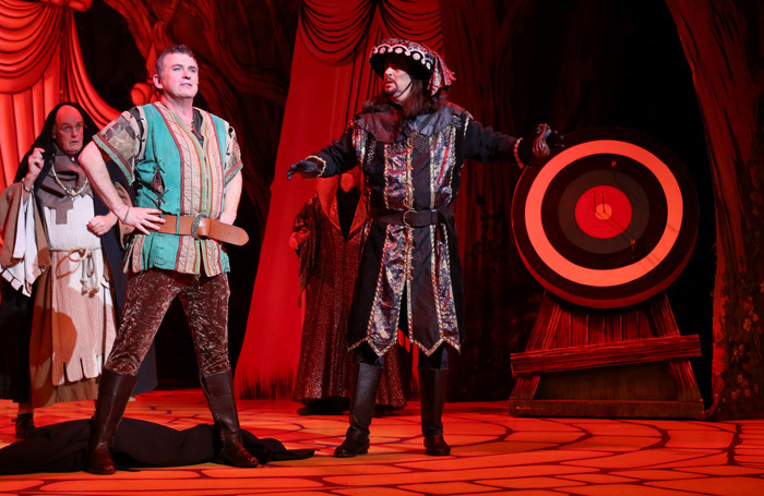 Shane Richie and Pete Gallagher in Robin Hood at Milton Keynes Theatre