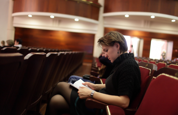 US theatres typically give programmes to audience members free of charge. Photo: Shutterstock