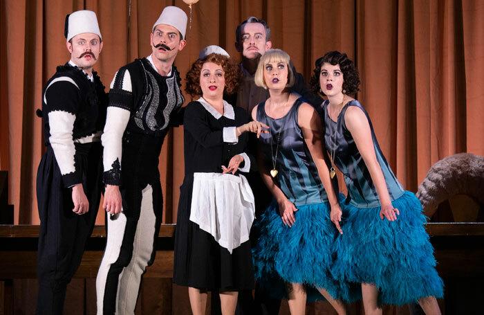 The cast of Cosi Fan Tutte at Nevill Holt Opera. Photo: Ellie Kurttz