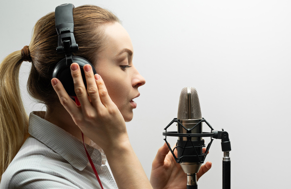 Peer-to-peer recruitment websites 'exploiting' voice-over artists, suggests report