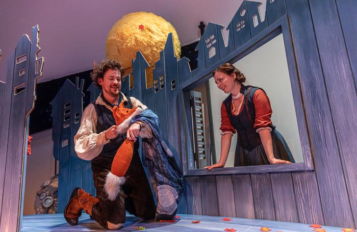 Daniel Keating-Roberts and Katie Grosset in Fox-Tot! Photo: James Glossop