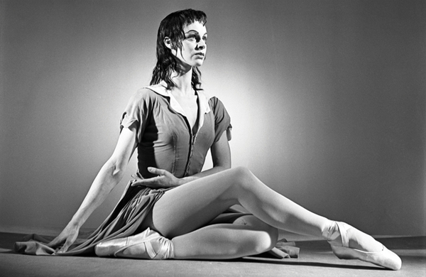 Obituary: Julia Farron – 'ballet dancer and teacher with an impeccable sense of style'