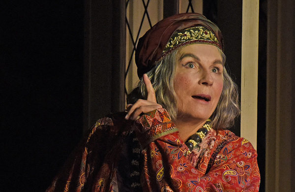 Blithe Spirit starring Jennifer Saunders announces West End transfer