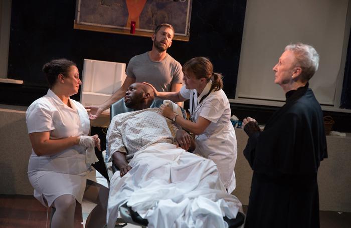 Natalie Woolams-Torres, Leland Fowler, Ken Barnett, Kelly McAndrew and Kathleen Chalfant in Novenas for a Lost Hospital. Photo: Julieta Cervantes