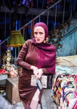 Grey Gardens-Southwark Playhouse-179