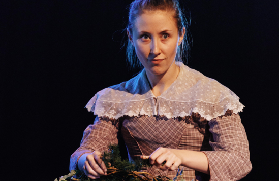 Erin-Doherty-(Belle)-in-A-Chrismas-Carol-at-The-Old-Vic
