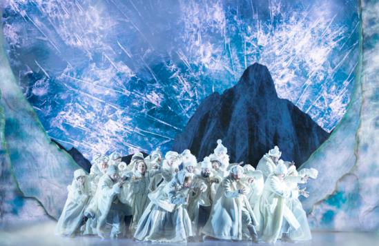 The-Company-of-FROZEN-on-Broadway-Photo-by-Deen-van-Meer