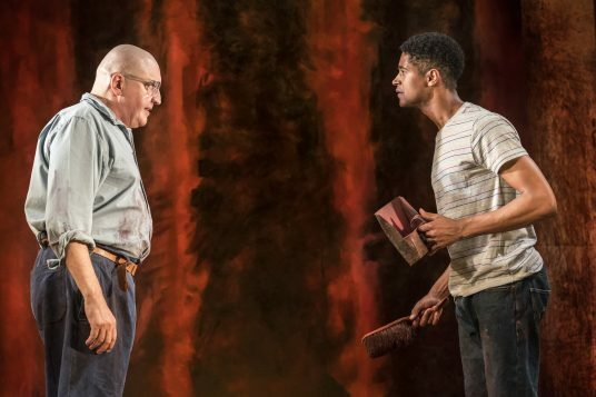 Alfred Molina (Mark Rothko), Alfred Enoch (Ken). photo by Johan Persson
