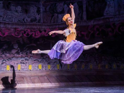 Les Ballets Trockadero De Monte Carlo-Peacock-291