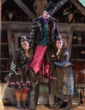 Hansel-&-Gretel-at-Derby-Theatre-3
