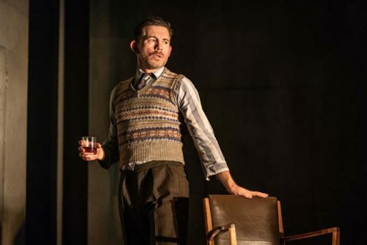 Lee Evans in Pinter Three. Photo credit Marc Brenner. P{inter Three PROD DRESS-555