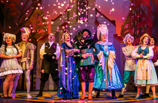 Robin-Hood-and-the-Babes-in-the-Wood-November-2018-P-©-Nottingham-Playhouse-(16)