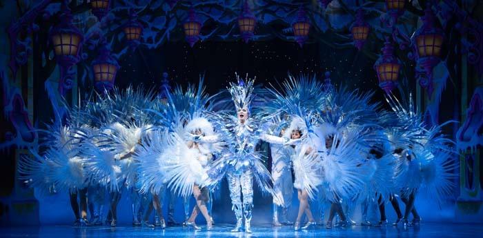 Snow White at The London Palladium - Julian Clary as The Man in the Mirror - Photo Paul Coltas