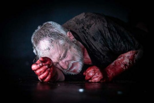 The Tragedy of King Richard the Second at the Almeida. Simon Russell Beale. Photo credit Marc Brenner (3)