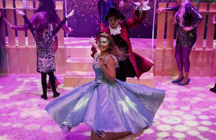 Eilidh Weir and Lewis Lauder in Cinderella at the Brunton Theatre