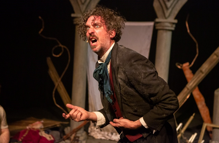 Murray Lachlan Young in The Mystery of the Raddlesham Mumps. Photo: Mike Kwasniak