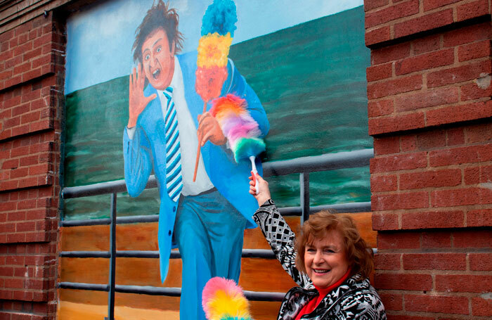 Lady Anne Dodd with the new mural of her late husband, Ken Dodd
