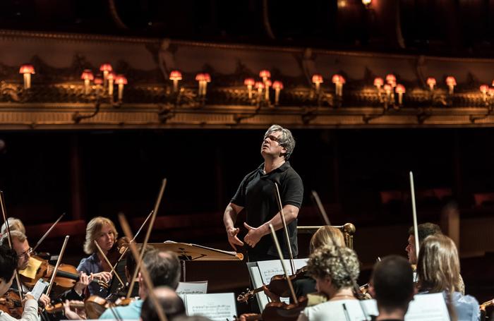 Antonio Pappano conducting in 2015. Photo: ROH/Clive Barda