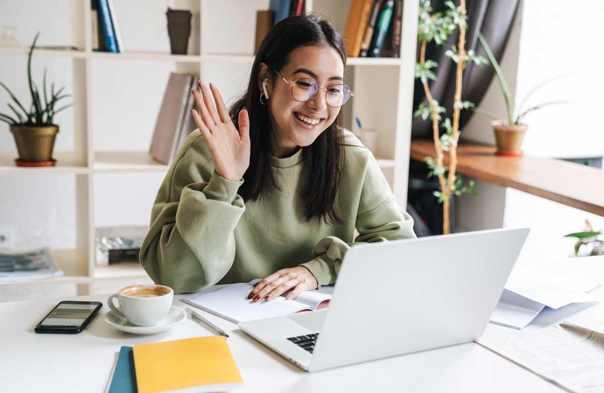 A student joins a virtual class. Photo: Shutterstock
