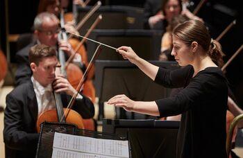 Opera North creates traineeship for female conductors