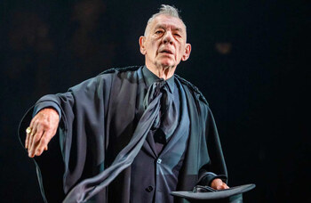 Ian McKellen and Bill Kenwright fund subsidised Hamlet tickets for young people