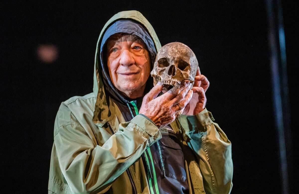 Review: Hamlet starring Ian McKellen at Theatre Royal Windsor – 'hugger-mugger production, but McKellen entrances'