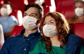 Compulsory masks in theatres would give audiences the confidence to return