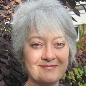 Lesley Bates