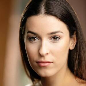 Nuria Cremer-Vazquez