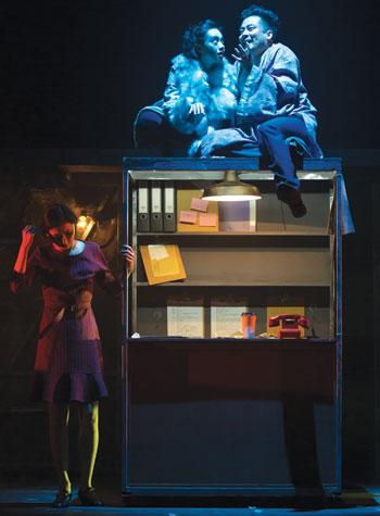 Yang Zi Yi as Helena, Yan Wen as Puck and  Liu Peng as Oberon. Photo: Yin Xuenfeng